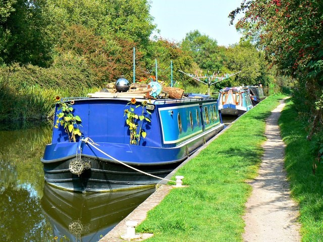 9 Tips for Being Eco-friendly on a Canal Boat