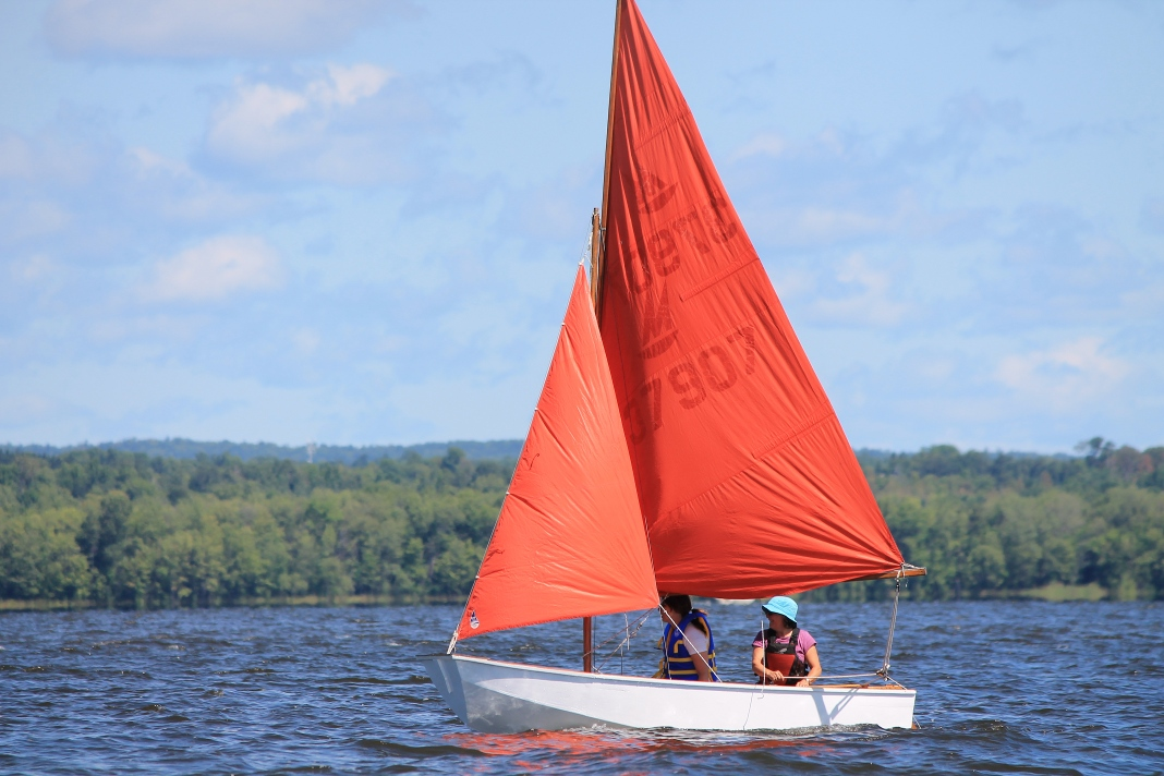 What is a Mirror Dinghy? Sailing for beginners